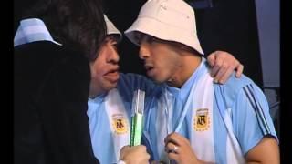¡Desopilante! Carlos Tévez y su imitador - Videomatch
