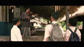 Official Trailer Leher Angsa