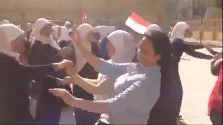 وصلة رقص بلدي لطالبات الإسكندرية في حفلة مدرسية