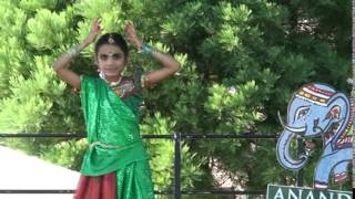 Pragathi dancing to 'Kinnerasani Vachindamma' song