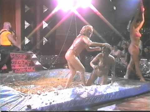 Female Mud Wrestling Sheri VS. Leslie