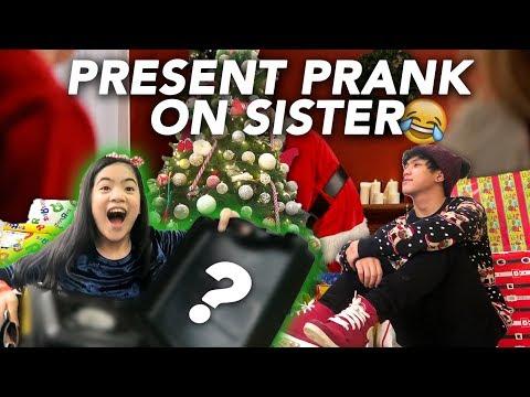 CHRISTMAS PRESENT PRANK ON SISTER | Ranz and Niana