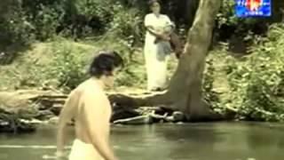 Actress Sheela seducing young Kamal Hassan unseen video clip1