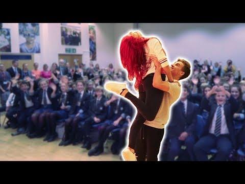 Xxx Mp4 WE DANCED IN FRONT OF MY OLD SCHOOL 3gp Sex