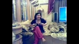 Pushto hot dance in room         cooool