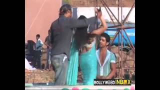 Drashti Dhami hot dance and backless