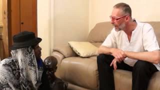 Nat la bombe dans Le Marabout Comedie Camerounaise