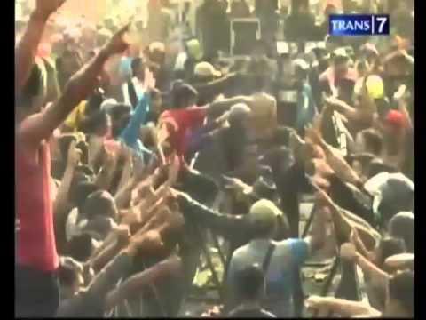 Video PREMAN VS Organisasi PENCAK SILAT Bentrok di KONSER DANGDUT
