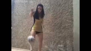 Wanita Main Bola Telanjang