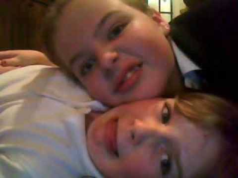 me and my little sis aving a good time:xxx