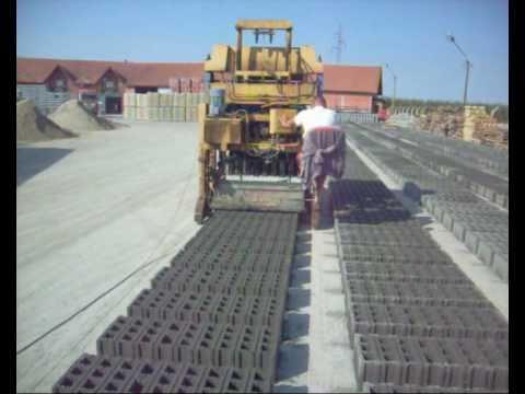 Block making machine SVP 633 METALIKA Samohodna mašina za blokove.avi