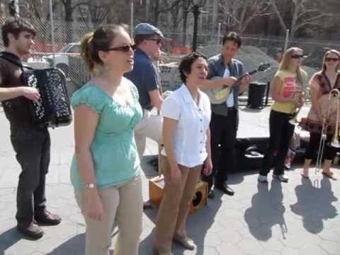 Tamar Korn Sings Exactly Like You w Cangelosi Cards Baby Soda & Patrick Harison @ Washington Sq Park
