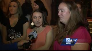 Crowds line up to see 'Bachelor' in Milwaukee