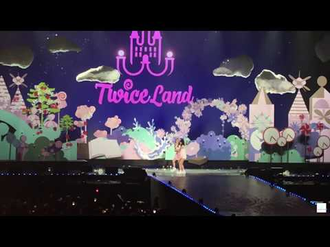 180617 TWICE (트와이스) - TWICELAND ZONE 2: Fantasy Park in Singapore [Ending]
