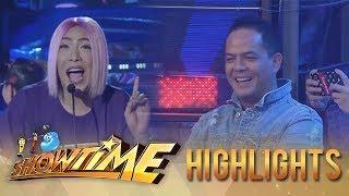 It's Showtime PUROKatatawanan: Direk Bobet watches Vice Ganda as he jokes