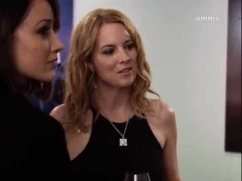 The L Word Primo incontro tra Bette e Tina