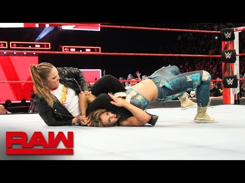 Ronda Rousey locks Mickie James in an armbar during the main event Raw April 23 2018