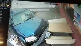 Suspected DUI driver plows through car, crashes into building in Woodland