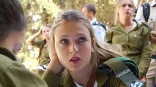 Israeli army immigrant show (Israeli soldiers dancing IDF girls women dance female soldiers Israel)