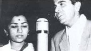 Dilip Kumar Sings with Lata ji...
