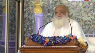 Bhakt Ke Vash Me Hai Bhagvan  ( भक्त के वश में हैं भगवान ) - Pujya Bapuji Rishi Darshan March 2014