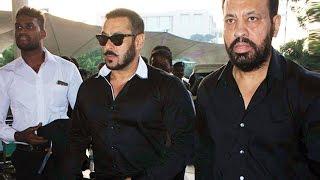 HOT Salman Khan Spotted At Mumbai Airport