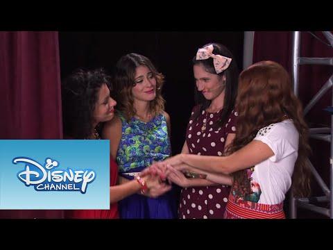 Violetta: Las chicas cantan ¨Código Amistad¨ (Ep 60 Temp 2)