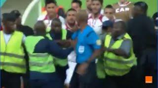 اعتداء لاعبي المنتخب التونسي على الحكم بعد نهاية المباراة ضد غينيا الاستوائية