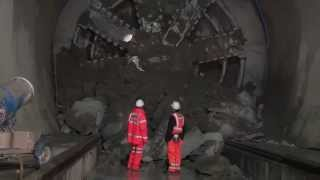 Crossrail Tunnelling: TBM Victoria breaks through into Whitechapel