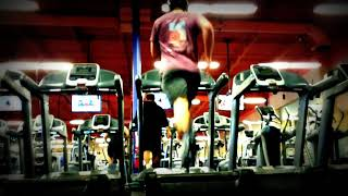 weird  fail gym idiot. wtf is this guy doing?