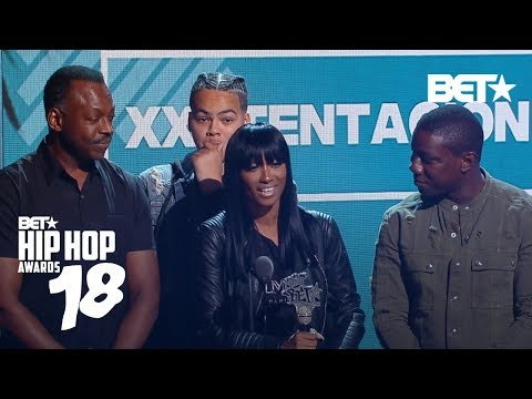 Xxx Mp4 XXXTentacion S Mom Accepts His Best New Hip Hop Artist Award Hip Hop Awards 2018 3gp Sex