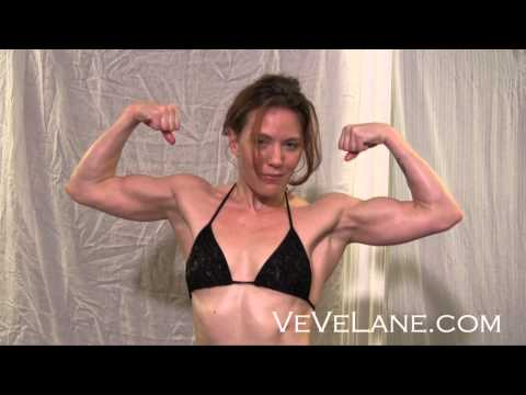 VeVe s Muscle Pump and Flex Oct 2012