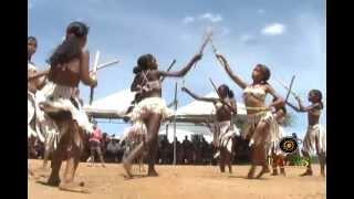 Grupo Dandara Dança o Maculelê