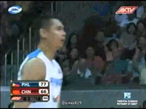 Japeth Aguilar dunks on 7'3