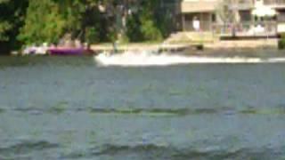 eddie en el lago