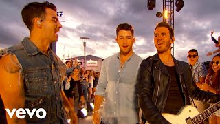 """Jonas Brothers - """"Sucker"""" / """"Only Human"""" (Live on The 2019 MTV VMA's)"""