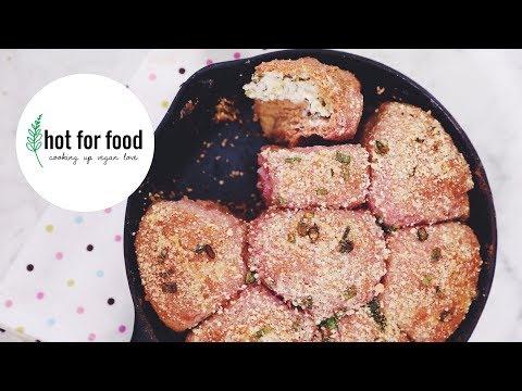 VEGAN PINK PULL-APART GARLIC BREAD   RECIPE?! EP #22 (hot for food)