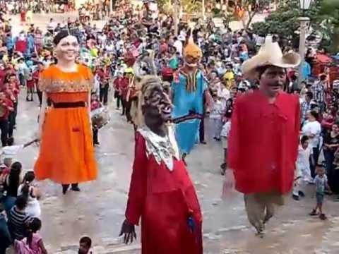 Baile de Monos Mojigangas en San Juan de Los Lagos