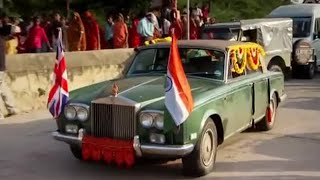 Doing a Ganesh on their cars - Top Gear Christmas Special 2011  - BBC