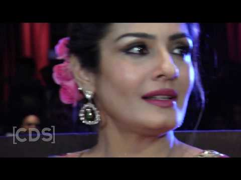 Raveena Tandon Hot Navel Exposed Oops Moment In Hot Saree