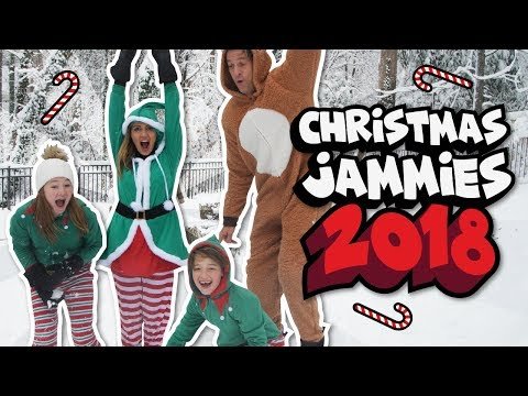 Christmas Jammies 2018 // The Holderness Family //