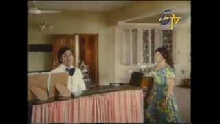 Andame Anandam - Madhu masa velalo maru malle thotalo