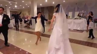 رقص اخت العروسة مبدعة