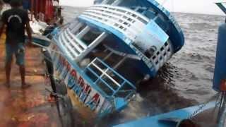 Barco Afunda