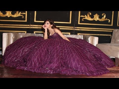 AYESHA OMAR'S Dress from RUSSIA - Hum Style Awards 2017