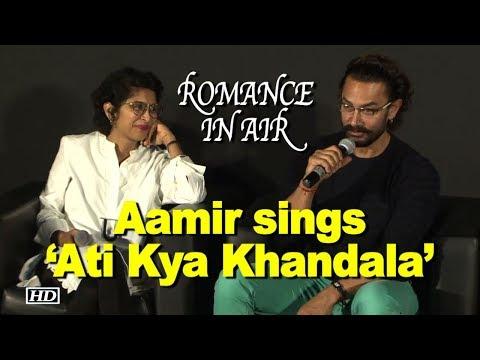 ROMANCE IN AIR: Aamir sings 'Ati Kya Khandala' for Kiran