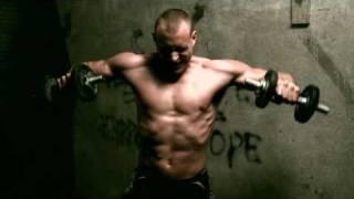 De Staat - Sweatshop (Official Video)