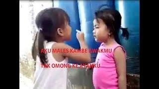 Viral!! Aksi anak kecil adu argumen sampai adu *****