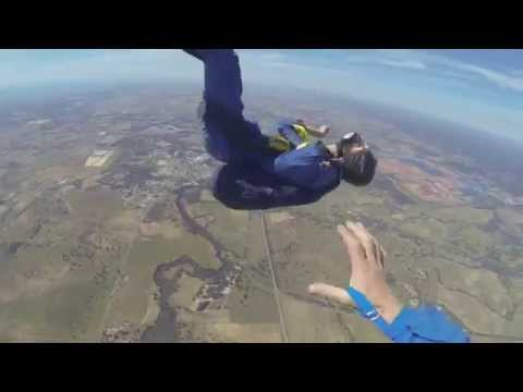 Xxx Mp4 GUY HAS SEIZURE WHILE SKYDIVING 3gp Sex