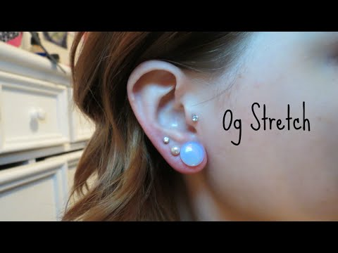 Stretching from 1g to 0g! | Alyssa Nicole |